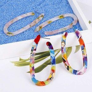 Jewelry - Bundle of 2 Mottled Acrylic Oval Earrings